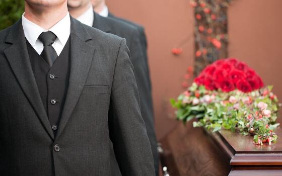 結婚式二次会 服装 男性