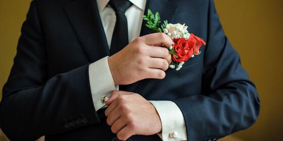 c9e7686cc9258 結婚式二次会の服装|男性がマナーを守っておしゃれに着こなすコツ - Customlife